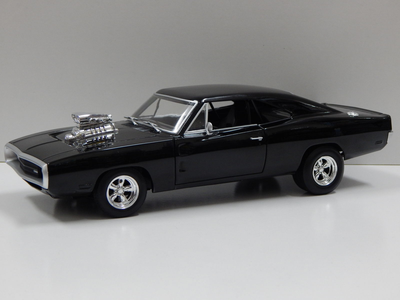 mattel hotwheels 1970 dodge charger 39 fast and furious 39 1 18 collectors diecast ebay. Black Bedroom Furniture Sets. Home Design Ideas