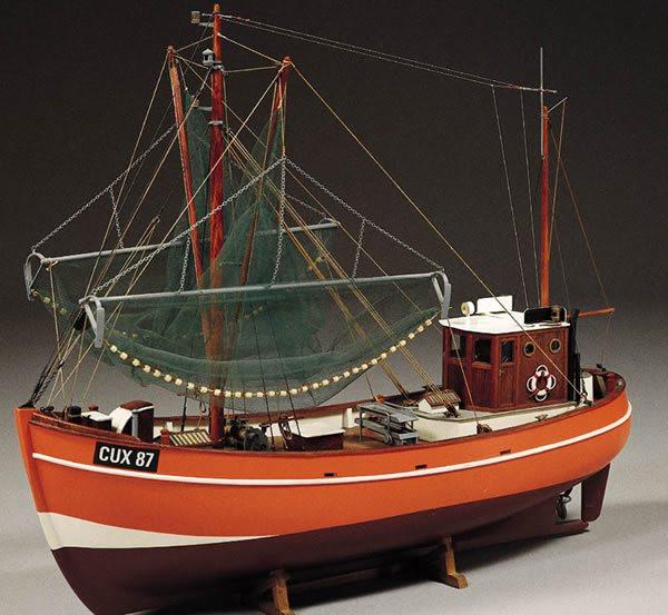 Cux 87 Krabbenkutter Fishing Trawler 1:33 Scale - Billing Boats Wooden Ship Kit B474
