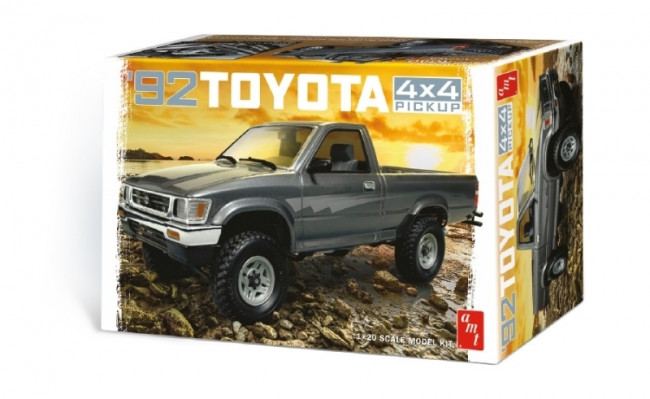 1992 Toyota 4x4 Pick-Up Truck  - Highly Detailed 1:20 Scale AMT Plastic Kit
