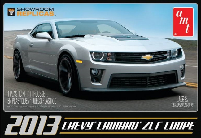 2013 Chevy Camaro ZL1 Coupe 1:25 Scale AMT Detailed Plastic Kit