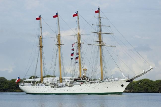 Chilean Navy Esmeralda Training Ship - Special Edition 1:100 Billing Boats Wooden Kit
