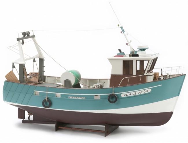 Boulogne Etaples Stern Fishing Trawler - 560mm 1:20 Billing Boats Wooden Ship Kit