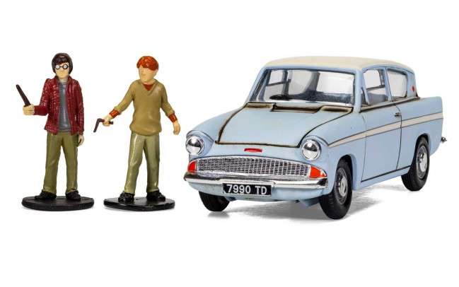 Harry Potter Flying Ford Anglia with Figures 1:43 Scale Corgi Diecast Metal Model