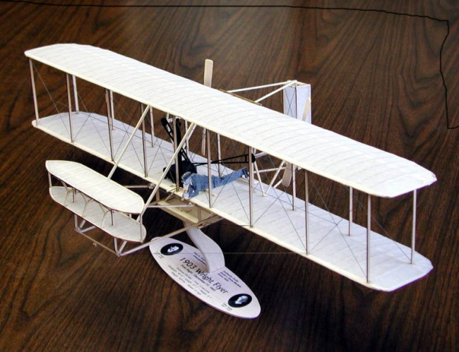 1903 Wright Flyer Large Scale 1:20 Guillow's Balsa Aircraft Kit 616mm Wingspan