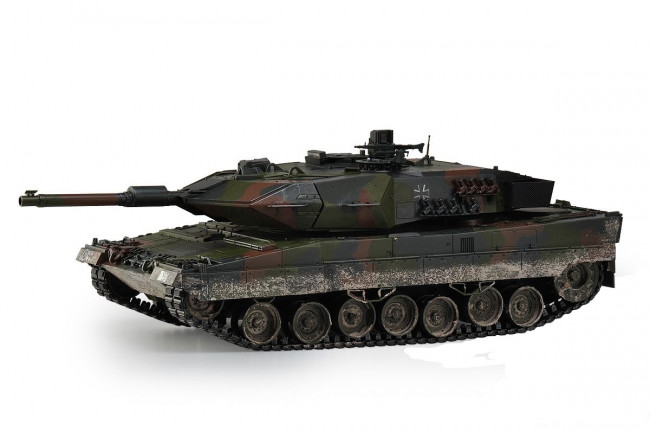 Large Scale RC Leopard 2A5 Battle Tank Upgraded Premium Label Version -  Hobby Engine