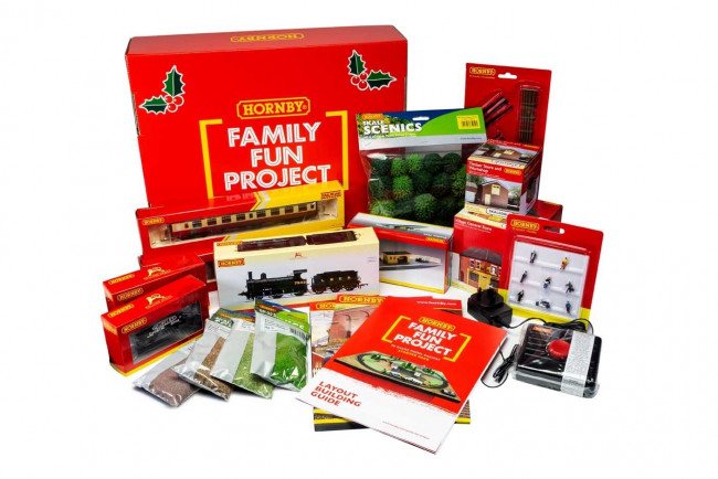 Hornby Railway Family Fun Christmas Hamper Starter Pack Project - Worth £444!!