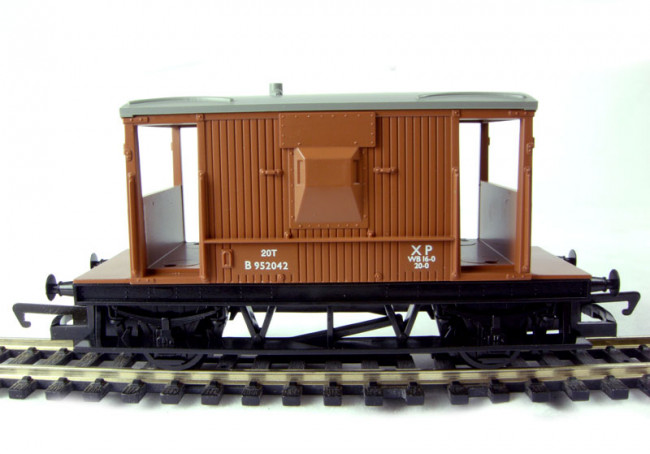 Hornby RailRoad - R6368 BR 20 Ton Brake Van 00 Gauge