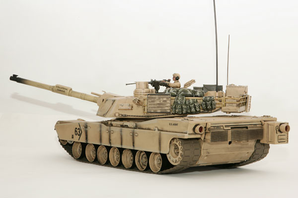 Large Scale RC M1A2 Abrams Tank Desert Camo, Lights, Sound, Shoots - Hobby  Engine