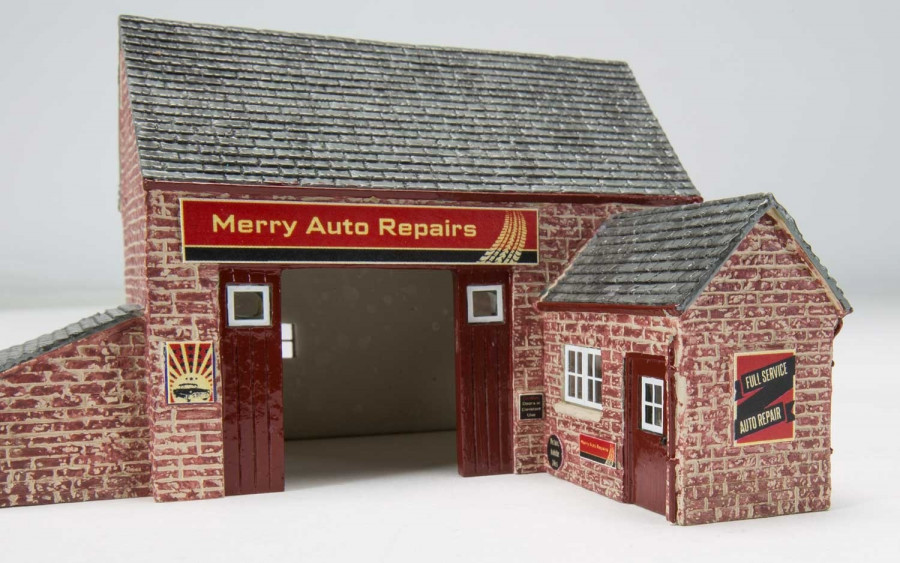 Hornby The Country Garage Model