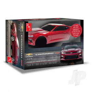 AMT 1:25 2016 Chevy Camaro SS (Pre-painted) Plastic Car Kit