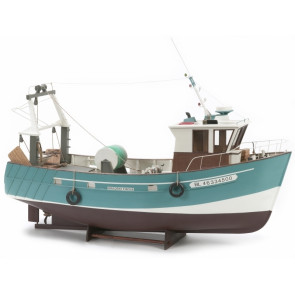 Boulogne Etaples Stern Fishing Trawler - 560mm 1:20 Billing Boats Wooden Ship Kit