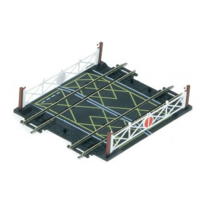 Hornby Accessories R636 Double Track Level Crossing - 00 Gauge Model Trains