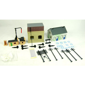 Hornby R8228 TrakMat Accessories Pack 2 Railway Cottage & Water Tower -00 Gauge